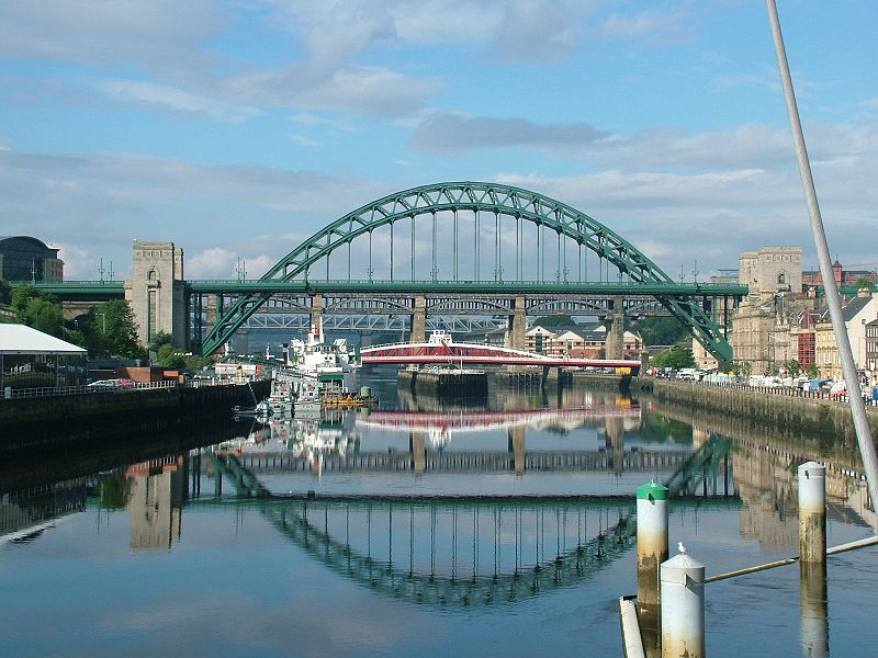 800px-tyne_bridge_-_newcastle_upon_tyne_-_england_-_2004-08-14